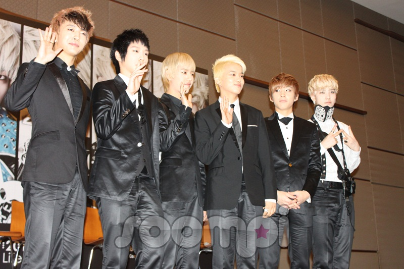 B.A.P Holds Press Conference in Malaysia