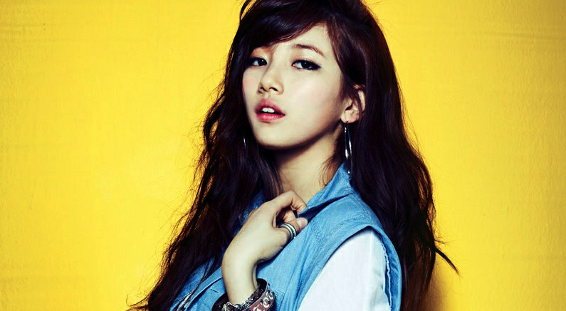 """miss A's Suzy Humors Fans with Her Latest """"Nail Art"""""""