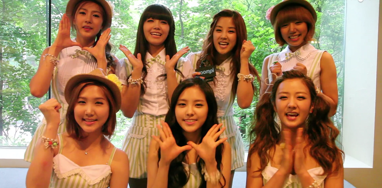 """[Exclusive] APink Talks about """"Bubibu,"""" BEAST's Yoseob, the Wonder Girls, and Their Fears"""