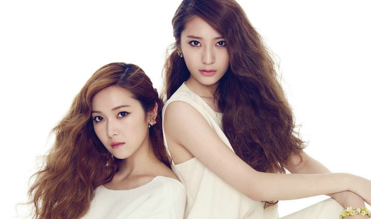 Girls' Generation's Jessica vs. f(x)'s Krystal: Guess Who Won the Battle against the Flashes?