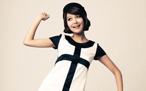 Girls' Generation's Sooyoung's Gorgeous Sister Revealed!