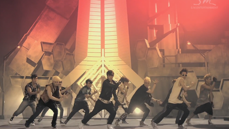 """Super Junior Performs """"Sexy, Free & Single"""" on Music Core"""