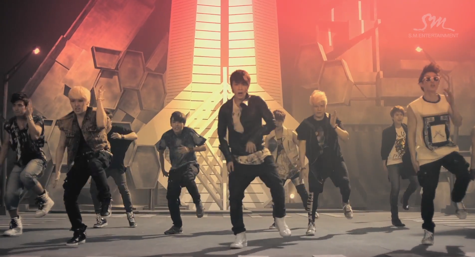 "Super Junior ""Sexy, Free & Single"" Still 02"