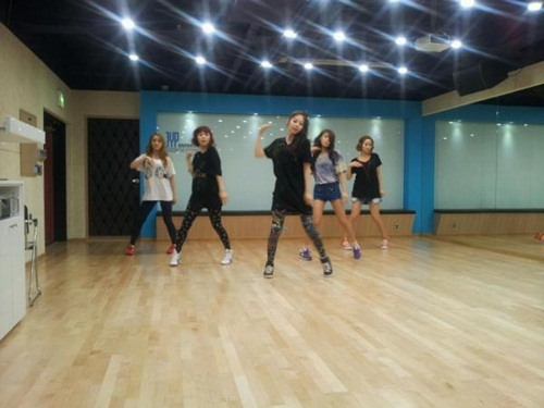 Sohee Reveals Practice Picture for Upcoming Wonder Girls Concert