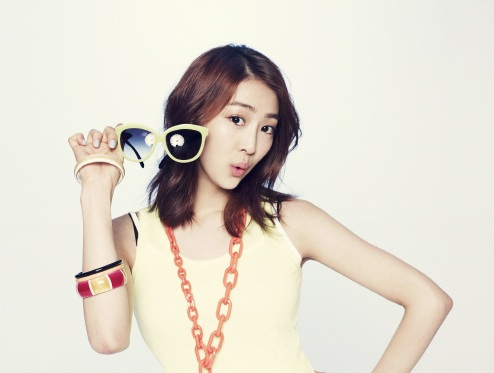 "SISTAR's Dasom Cast for Sitcom ""Shut Up and Family"""