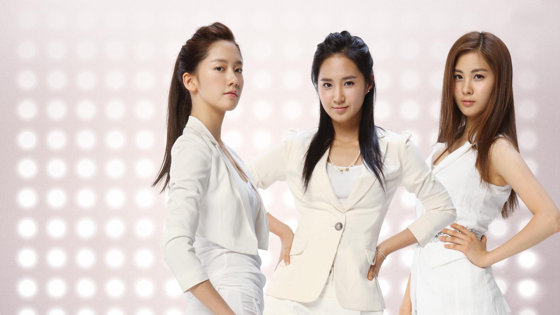 Girls' Generation Bermuda Zone in Gangnam