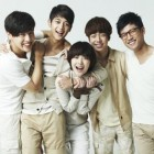 """""""To the Beautiful You"""" Casts School Uniform Still Photos Released"""
