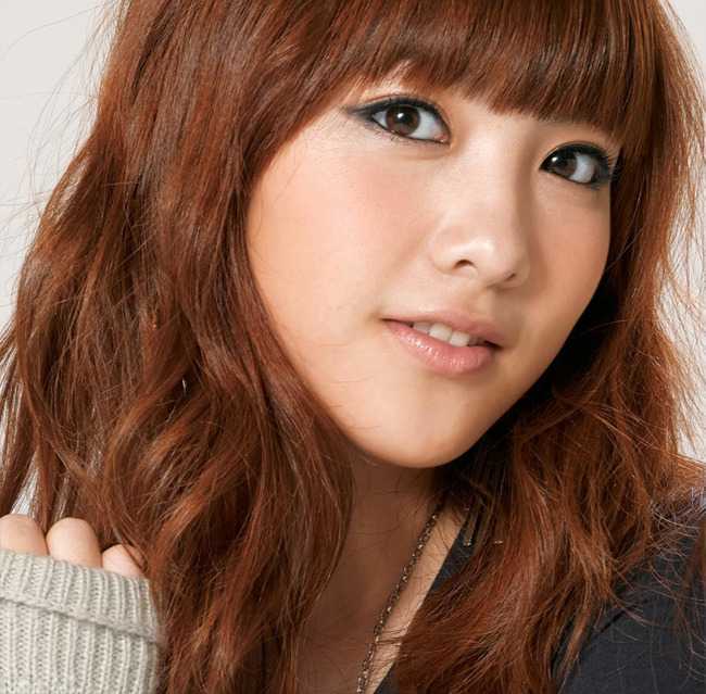 Kara's Kang Ji Young Updates Fans on Her Life from Singapore