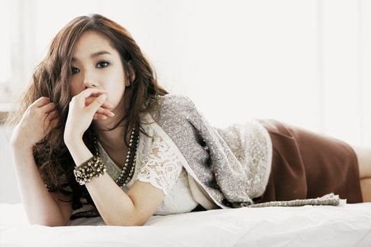 """Park Min Young is a Romantic Autumn Lady for """"Compagna"""""""