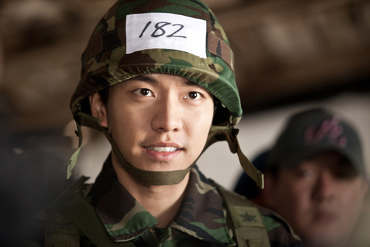 Lee Seung Gi to Enlist Next Year?