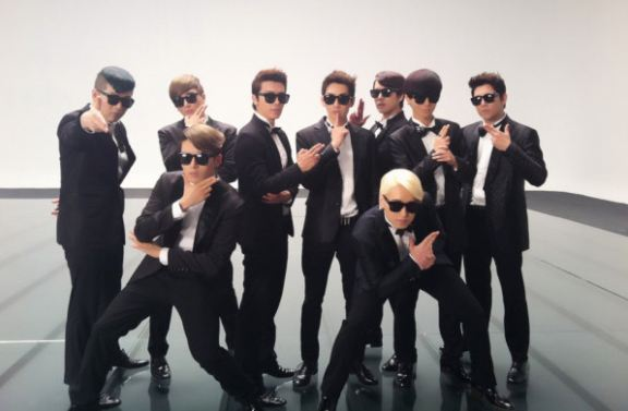 """Super Junior is the """"King of Album Sales"""" with 330,000 Copies of """"Sexy, Free & Single"""" Sold"""