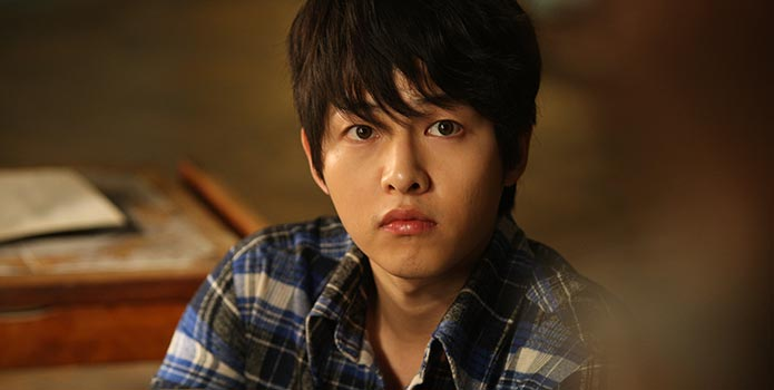 """Song Joong Ki Struggled Because He Had No Lines in """"A Werewolf Boy"""""""