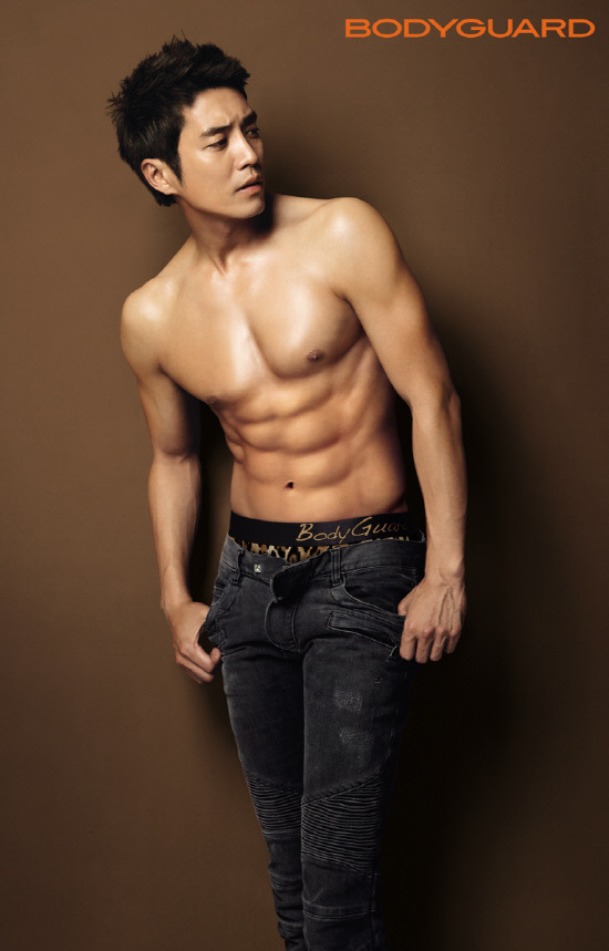 """Joo Sang Wook Of """"Feast Of Gods"""" Models For Lingerie And Underwear Brand """"Bodyguard"""""""