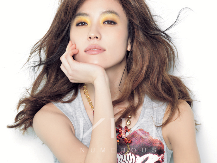 Han Hyo Joo Is The Woman Who Would Be Queen in Vogue Pictorial [Updated with 5 more pictures!]