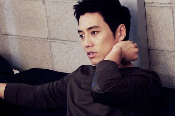 "Joo Sang Wook: ""My Abs Aren't Real"""