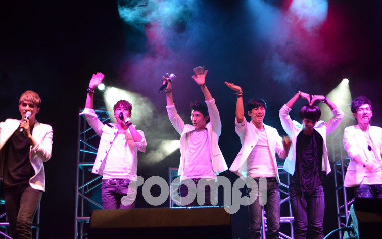 [Exclusive] VIXX Makes US Debut at Otakon: Concert, Q&A, Autograph Session!