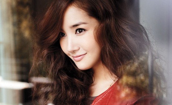 Park Min Young Looks Great with Any Hairstyle