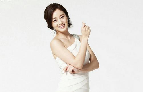 Kim Tae Hee Looks Lovely in Paris