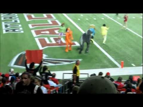 "NFL Atlanta Falcons vs Denver Broncos parodies ""Gangnam Style"" Video Thumbnail"