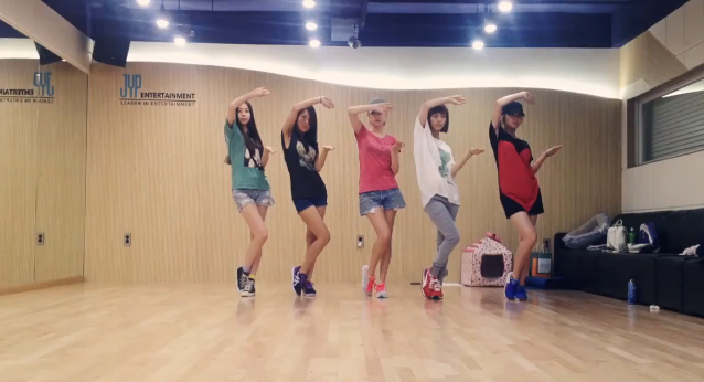 """Wonder Girls Release Dance Practice for """"Like Money"""" and Announce Dance Contest"""