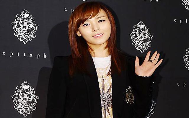 JYPE and Sun Ye Put Wedding Rumors to Rest