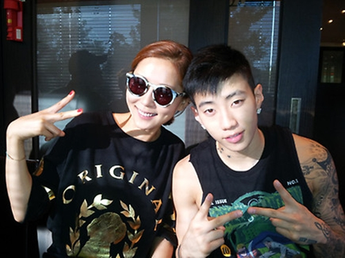 """Jay Park Finds New Family With """"Come To Play"""" Casts"""