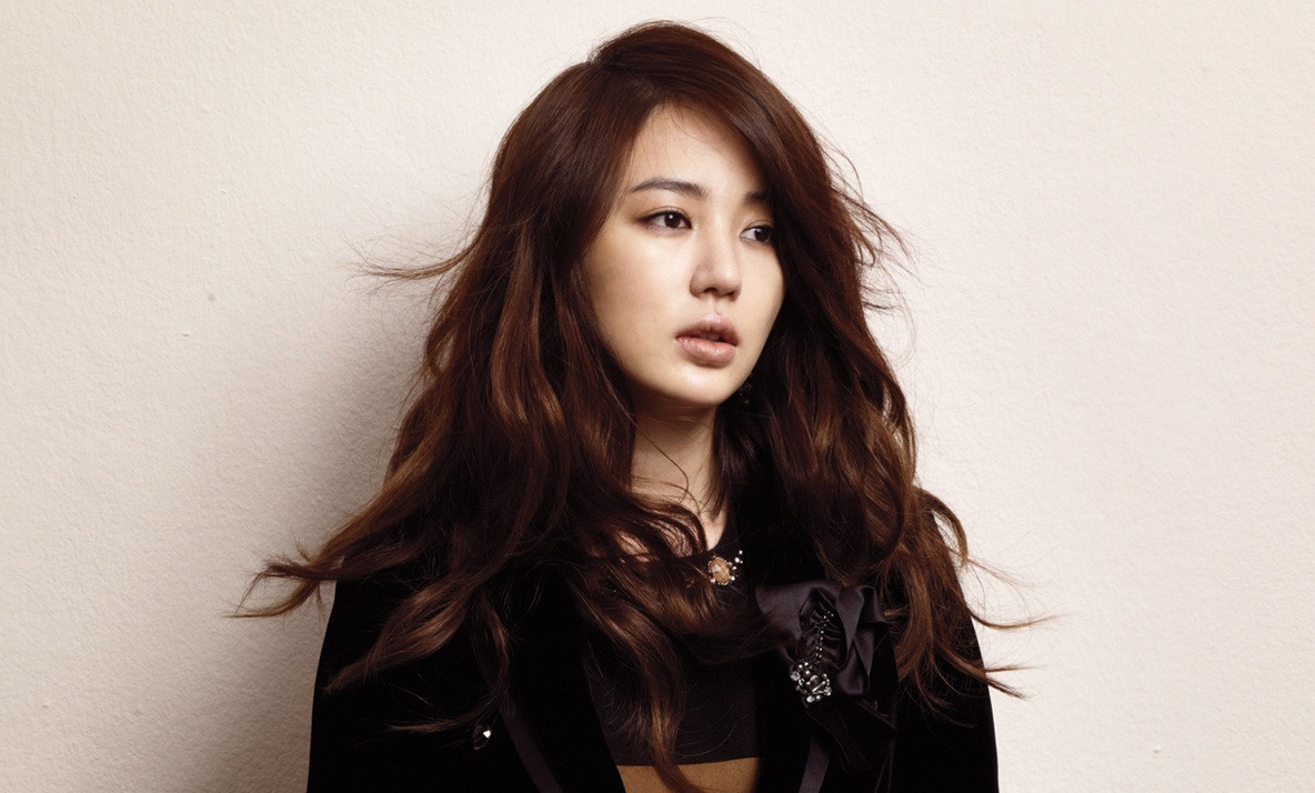 Yoon Eun Hye Greets Not As Actress, But As Director