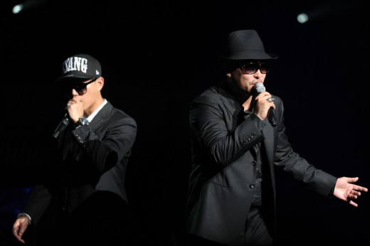 Leessang's Gil Reveals His Female Celebrity Connections