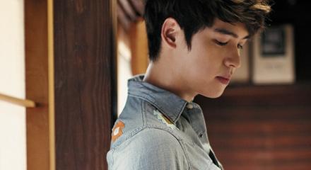 Paparazzi Shots Of Lee Jang Woo Prove His Handsomeness
