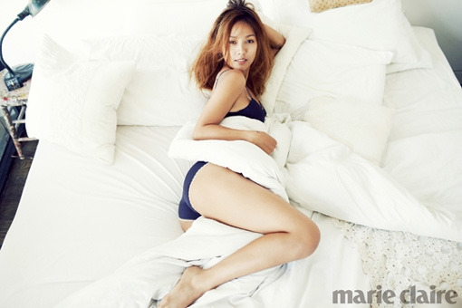 "Lee Hyori Shows off Her Curves in Photoshoot for ""Marie Claire"" Korea"