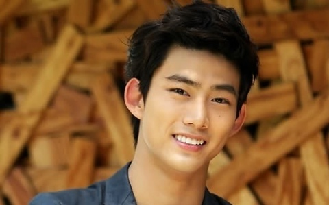 2PM's Taecyeon Looking Mischievous As Sushi Chef