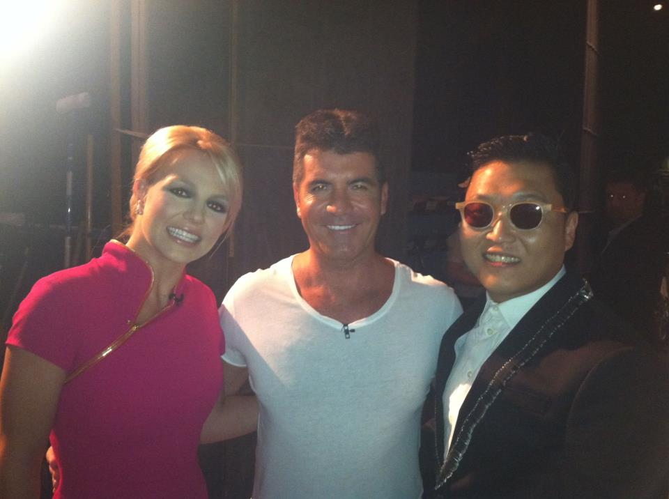 """Gimme Gimme More, Gimme More, Gimme """"Gangnam Style""""; Britney Poses with Psy For Backstage Photo"""
