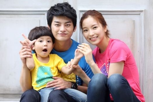"""""""Rascal Sons"""" Actor Seo In Gook and Actress Yoon Se In Film Fight Scene"""