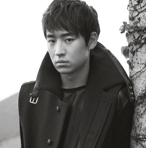"""Ghost Sweepers"" Actor Lee Je Hoon Says Scenes with Kim Soo Ro Were Ad-lib Fest in ""Elle"""