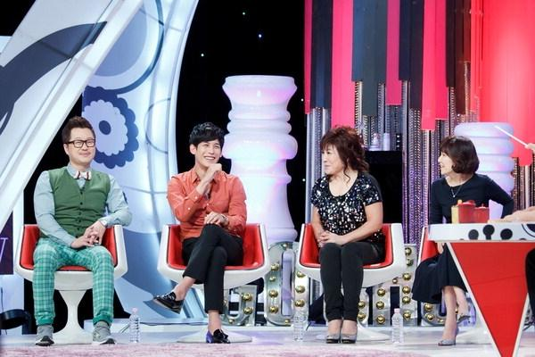 """""""Bridal Mask"""" Star Park Ki Woong Talks About Heads on SBS's """"GO Show"""""""