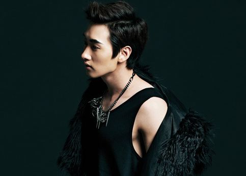 """Super Junior member Eunhyuk is Darkly Sexy in First Solo Photo Shoot for """"Singles"""""""