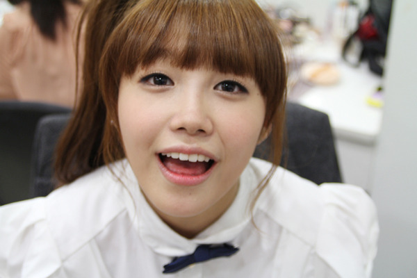 """A Pink's Eunji Apologizes for Actions on """"Challenge 1000 Songs"""""""