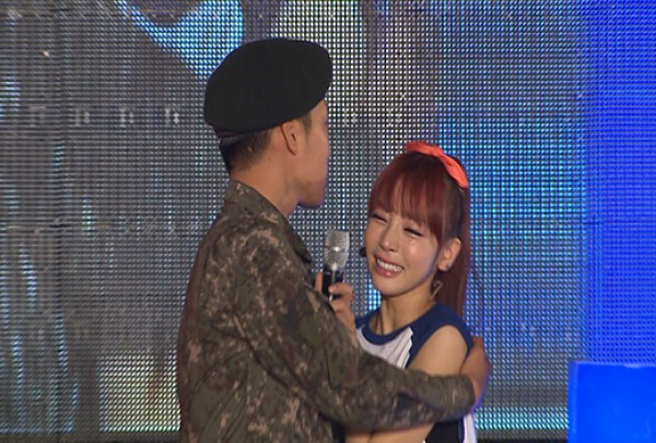 Kara's Goo Hara Sheds Tears of Joy at Her Brother's Surprise Appearance