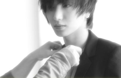 Super Junior's Leeteuk Tweets About His Shaved Head