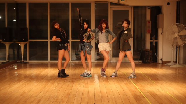 "Jewelry Releases Dance Practice Video for ""Look At Me"""