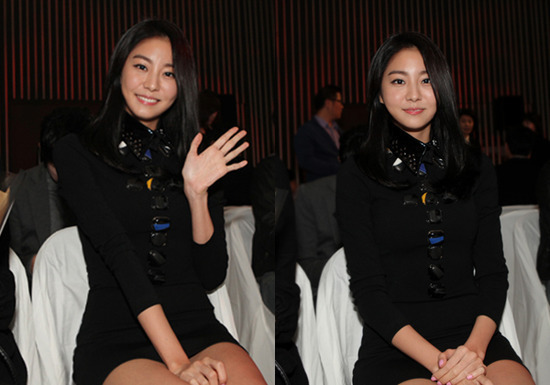 Uee Glows in a Black Outfit at a Fashion Show