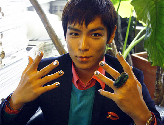 Manly manicures male stars with nail art soompi manly manicures male stars with nail art prinsesfo Image collections
