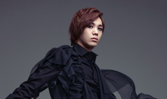 MBLAQ's Mir Rides a Horse for the First Time