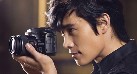 Lee Byung Hun In His Early 20s Showing Fans Unreserved Love