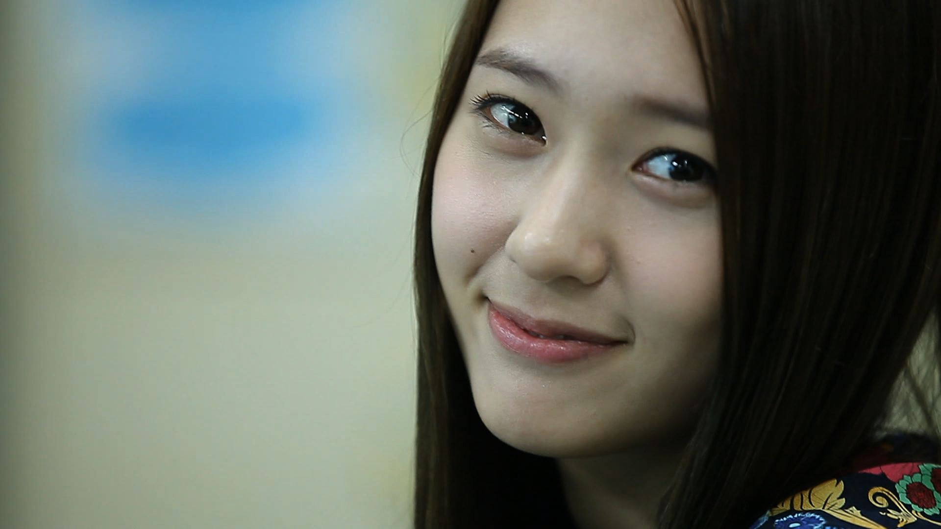 Happy Birthday Krystal! + 18 Pictures to Celebrate Her 18th