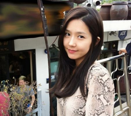 """The Great Seer"" Actress Lee Jin is a Sleepy Pretty Girl"