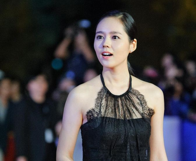 """""""Architecture 101"""" Star Han Ga In Beautiful Both On and Off the Red Carpet"""