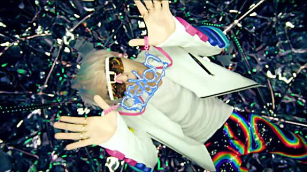 "Eat Your Kimchi Reviews G-Dragon's ""Crayon"""