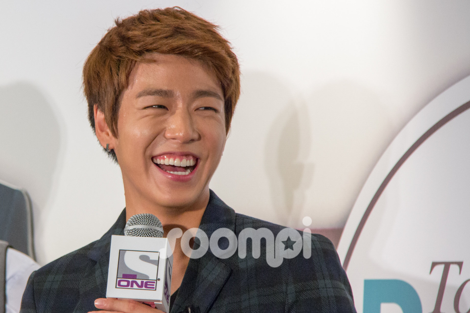"""Lee Hyun Woo Charms """"To The Beautiful You"""" Fans at Singapore Meet And Greet"""