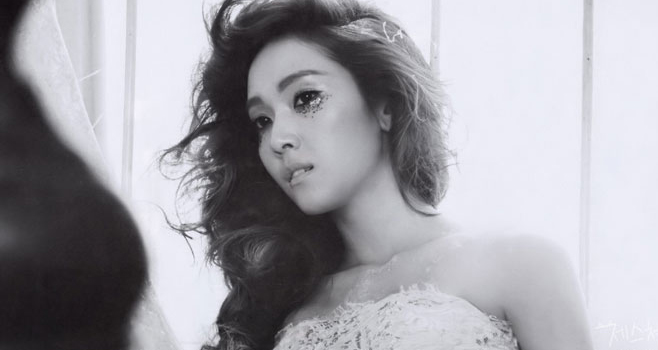 """Girls' Generation's Jessica Shares """"No Dress?"""" Selcas"""